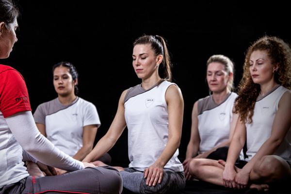 frauen-anti-stress-meditation-wing-tsun-trabert-ostheim